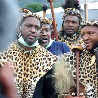 Na enkele minuten moet de troonopvolger van Zulu-koning Goodwill al vluchten voor zijn familie