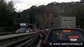 Traffico e code sul raccordo Salerno-Avellino, all'altezza di Baronissi - SalernoToday