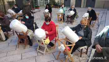 Isernia, nel centro storico lezioni di tombolo per le mamme e i loro bimbi - isNews.it - isnews