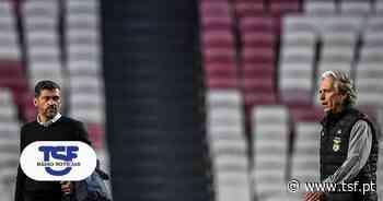 As melhores imagens de um Benfica-FC Porto que deixou o Sporting a sorrir - TSF Online
