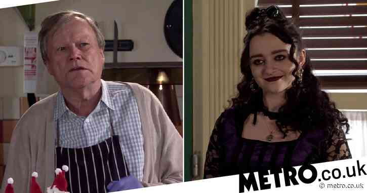 Coronation Street's David Neilson heaps praise on Mollie Gallagher: 'I have to up my game'