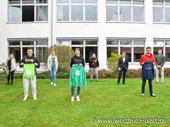 Schüler pflanzen Baum - Westfalen-Blatt