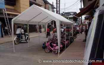 Denuncian que en Huixtla mueblerías invaden calles - El Heraldo de Chiapas