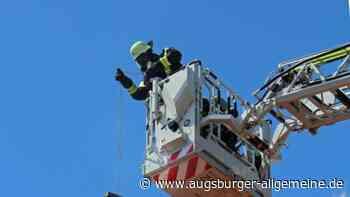 Feuerwehreinsatz in Tiefenbach: Kamin brennt in Wohnhaus aus - Augsburger Allgemeine