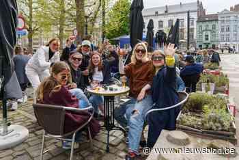 """Gezellige bedrijvigheid op eerste horecadag: """"De Gentenaars ... (Gent) - Het Nieuwsblad"""
