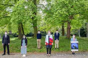 Leerlingen Sint-Barbaracollege geven kunstwerk af aan koning... (Gent) - Het Nieuwsblad
