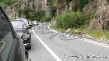 Traffico intasato a Positano: cittadini bloccano un tir, evitato il peggio - Positanonews - Positanonews