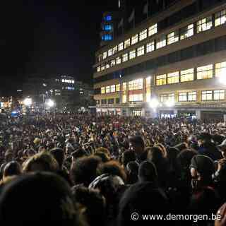 ▶ Incidenten bij ontruiming Heilig-Kruisplein na oproep 'La Boum 3'