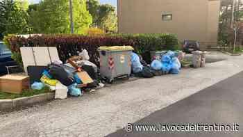 È allarme rifiuti in Via Sabbioni a Povo. Le lamentele dei residenti - la VOCE del TRENTINO