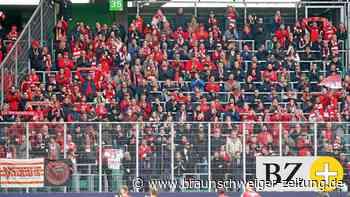 Rund 100 Fans aus Berlin sorgen in Wolfsburg für Stimmung