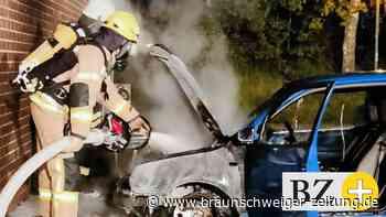 Erneut muss die Velpker Feuerwehr ein brennendes Auto löschen