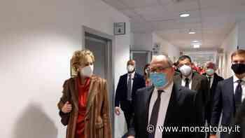 Nuova tappa brianzola per l'assessore Letizia Moratti: visita all'ospedale di Vimercate - MonzaToday