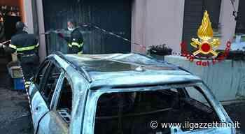 Una Mercedes e una Audi a fuoco nella notte a Mogliano Veneto - ilgazzettino.it