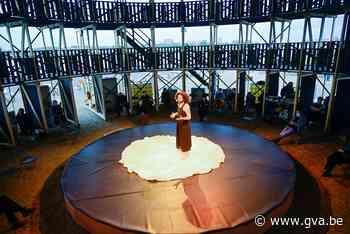 De Carrousel draait de eerste rondjes: coronaproof theater langs de Schelde - Gazet van Antwerpen