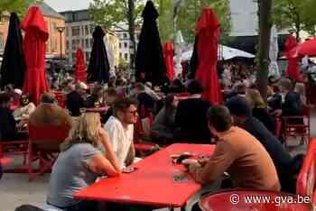 """Drukte op het Mechelseplein: """"Doet deugd iedereen te zien lachen"""" - Gazet van Antwerpen"""