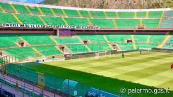 Palermo-Teramo, partenza sprint dei rosa: Floriano dal dischetto segna l'1-0 - La diretta - Giornale di Sicilia