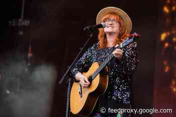 Eddi Reader 'I'd never seen racism against Scotland from England until I recorded Burns album'