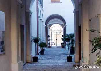 LOCRI (RC) – Il Comune intitola a Paolo Pollichieni uno spazio culturale e smart library - Calabria Live