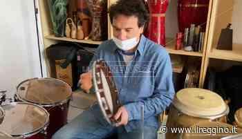 Locri, a scuola di tamburello con Massimo Cusato - Il Reggino
