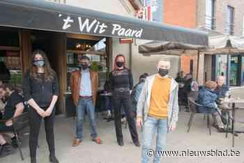 """Café 't Wit Paard in Heist-Goor: """"Twee minuten open en eerste klant was al daar"""""""