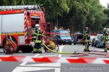 Près de Lyon : plusieurs poids lourds prennent feu à Vénissieux - LyonCapitale.fr