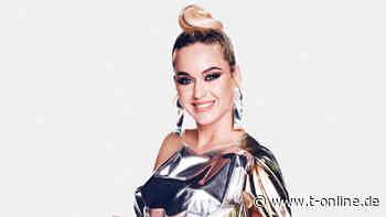 Fast wie früher: Katy Perry überrascht mit dunkler Haarpracht - t-online