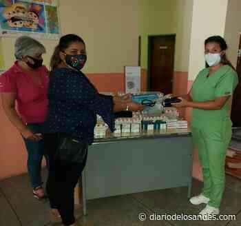 Alcaldesa de Boconó dona para habitantes de Batatal: tensiómetro, nebulizador y medicamentos - Diario de Los Andes