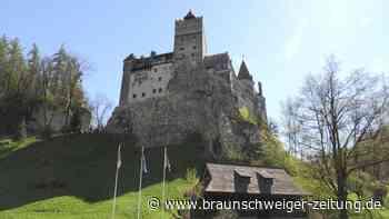 Rumänen lassen sich auf Draculas Schloss Bran impfen