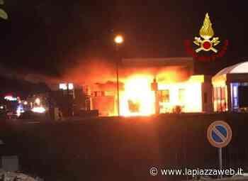 Montecchio Maggiore, incendio nella notte al distributore di benzina - La PiazzaWeb - La Piazza