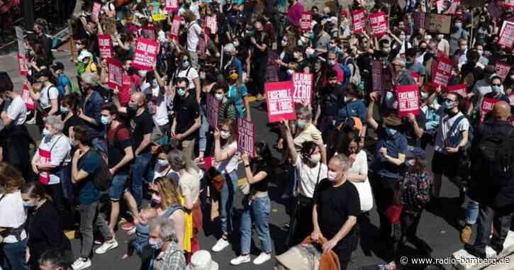 Zehntausende protestieren in Frankreich gegen Klimagesetz