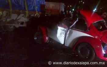 Automóvil chocó contra tráiler, en Acajete - Diario de Xalapa
