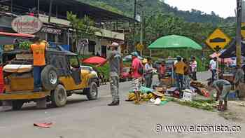 Campesinos y comerciantes improvisan plaza de mercado en el barrio Boquerón - El Cronista