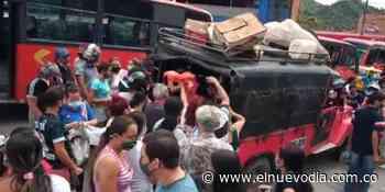 Campesinos llegaron hasta Boquerón para revender sus productos a muy bajo precio antes de que se pierdan - El Nuevo Dia (Colombia)