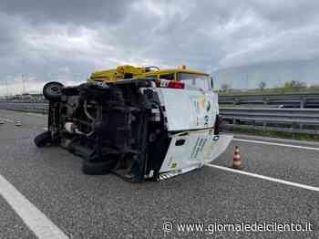 Furgone si ribalta sull'autostrada tra Padula e Sala Consilina: ferito conducente - Giornale del Cilento