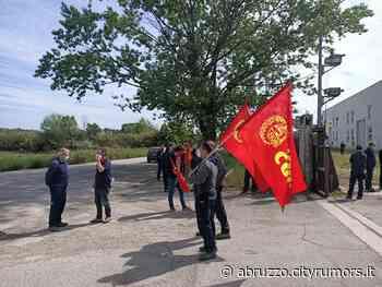 Ancarano, contratto scaduto: scioperano i lavoratori dell'Elettropicena Sud VIDEO - Ultime Notizie - CityRumors.it