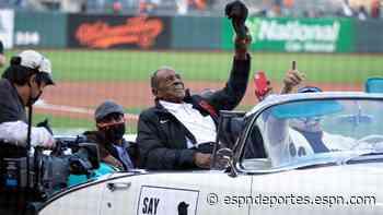 Willie Mays llega a Oracle Park con estilo, mientras los San Francisco Giants le celebran su cumpleaños 90 - ESPN Deportes