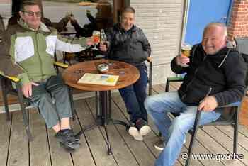 Stipt om 10u eerste pintje bij De Kanunnik in Blaasveld - Gazet van Antwerpen