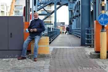Buurtbewoners kaarten onveilige situatie aan over fiets- en voetpaden van de Vredesbrug - Gazet van Antwerpen