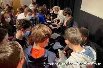 """Lire à Limoges 2021 - """"L'imagination est un muscle qui ne s'épuise pas"""" constate l'auteur jeunesse Evelyne Bri - France 3 Régions"""