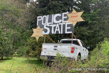 Sign in North Saanich warning of police state gone – Victoria News - Victoria News
