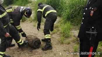 """Falso allarme bomba sulle rive del Po a Casale: l'""""ordigno"""" era una bombola del gas - La Stampa"""