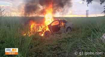 Acidente entre carro e moto deixa duas pessoas mortas em Satuba, Alagoas - G1