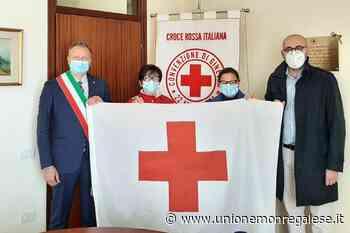 Mondovi': il sindaco riceve la bandiera della Croce Rossa - Unione Monregalese