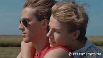 """Der deutsche Trailer zu """"Sommer 85"""" mit einer Ferien-Romanze und viel 80er-Charme"""