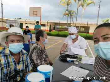 Atienden a 70 adultos mayores en Pácora - La Patria.com
