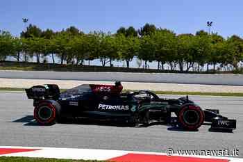 F1 – Hamilton tocca quota 100 pole a Barcellona, quarto Leclerc e sesto Sainz - Newsf1