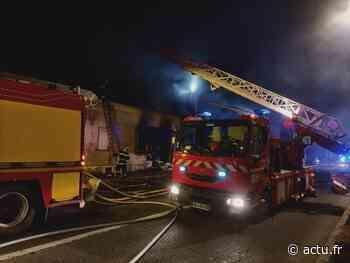 Pont-Sainte-Maxence : les pompiers interviennent sur un violent incendie dans un pavillon - actu.fr