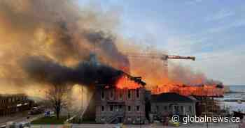 Fire sweeps through court building in Quebec's Saguenay-Lac-St-Jean - Global News