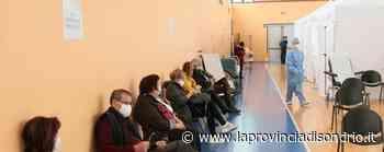 Vaccinazione, da mezzanotte prenotazioni per i cinquantenni - La Provincia di Sondrio