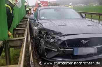 Unfall bei Renningen - Mit nagelneuem Ford Mustang in Leitplanke gekracht - Stuttgarter Nachrichten